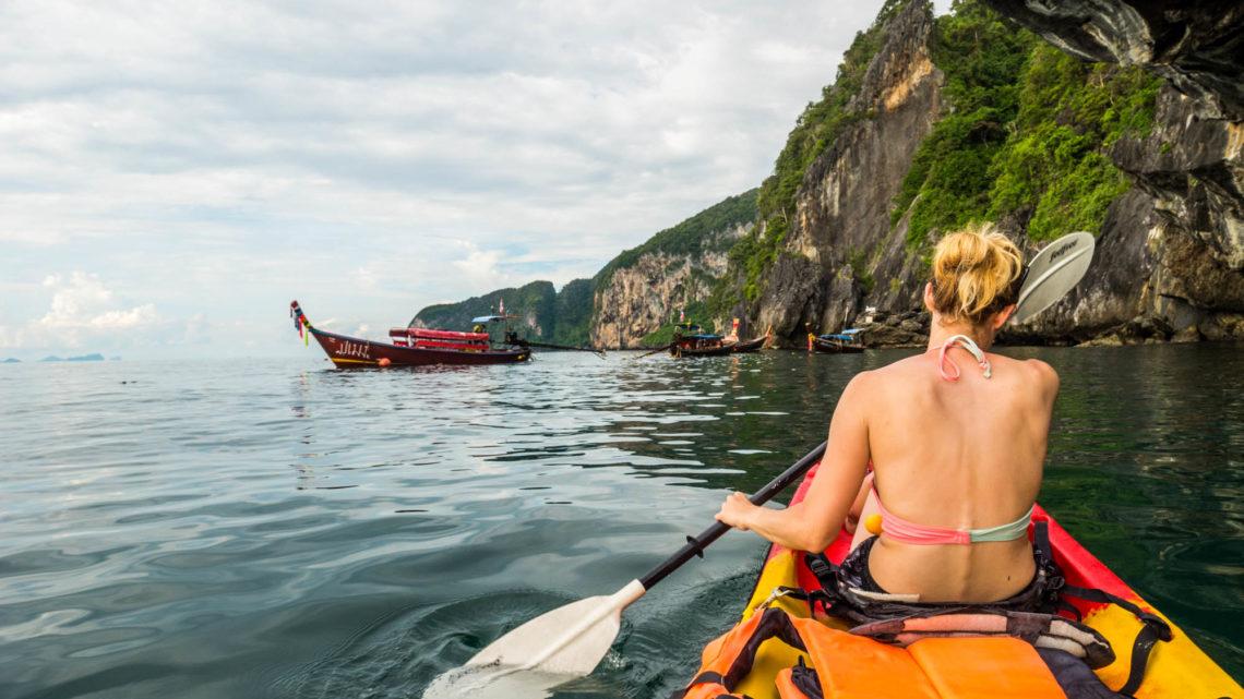 Znów kajakiem, w drodze do Szmaragdowej jaskini (Tajlandia )Activemove.pl, SPływy Pontonowe przełomem Dunajca, splywy kajakaowe Przełomem Dunajca, Przełom Dunajca, Wypożyczalnia Kajaków Atrakcje w Pieninach, Atrakcje Pienin, Kajaki na Dunajcu